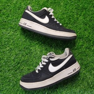 NIKE AIR FORCE 1 BLACK & WHITE CANVAS SNEAKERS